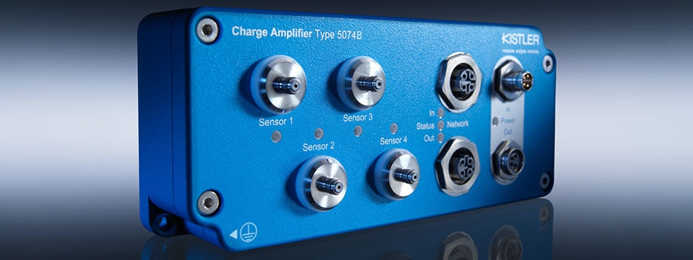 Digital industrial charge amplifier