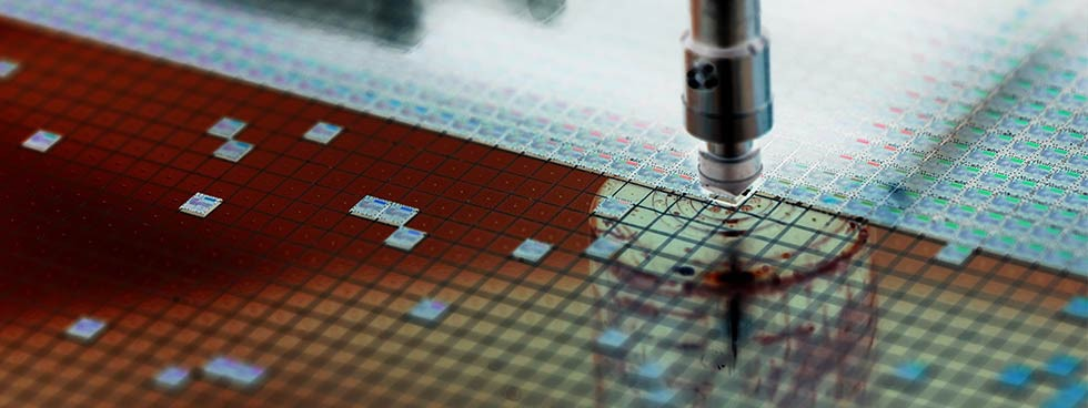 Industrial solutions to improve quality in semiconductor production application through integrated process monitoring